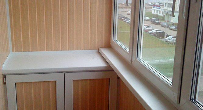 Плюсы отделки лоджии и балкона панелями ПВХ