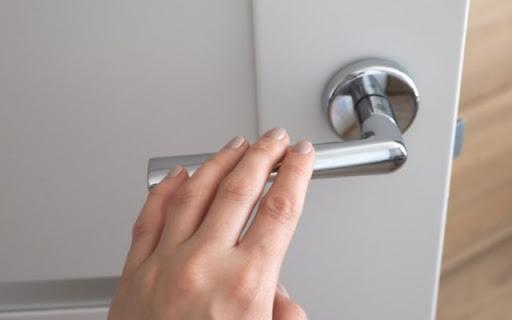 Выбор дверной фурнитуры: на что обращать внимание